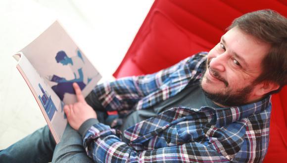 Casciari divide sus días entre presentaciones en la FIL Lima y lectura de cuentos en público. (Foto: Juan Ponce)