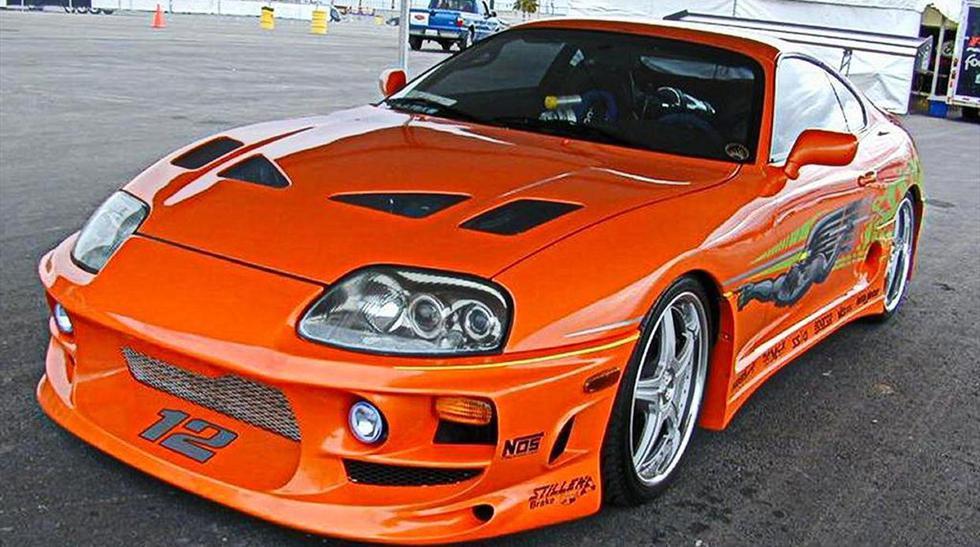 Toyota Supra. En la primera entrega de la saga de Rápidos y Furiosos vimos a Paul Walker manejar este deportivo japonés. Aunque no existan muchos modelos parecidos en Perú, puedes encontrar el auto a un precio aproximado de US$ 6.900