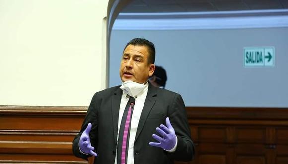 Congresista Pérez Mimbela insultó al presidente Vizcarra durante una sesión del pleno del 5 de julio. (Facebook del legislador)