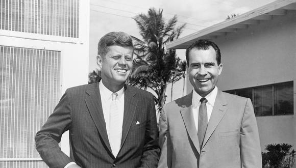 En 1960, el senador demócrata John F. Kennedy fue el rival en las elecciones presidenciales del republicano Richard Nixon, quien era el entonces vicepresidente de Estados Unidos. Ambos sostuvieron cuatro debates durante la campaña. (AP)