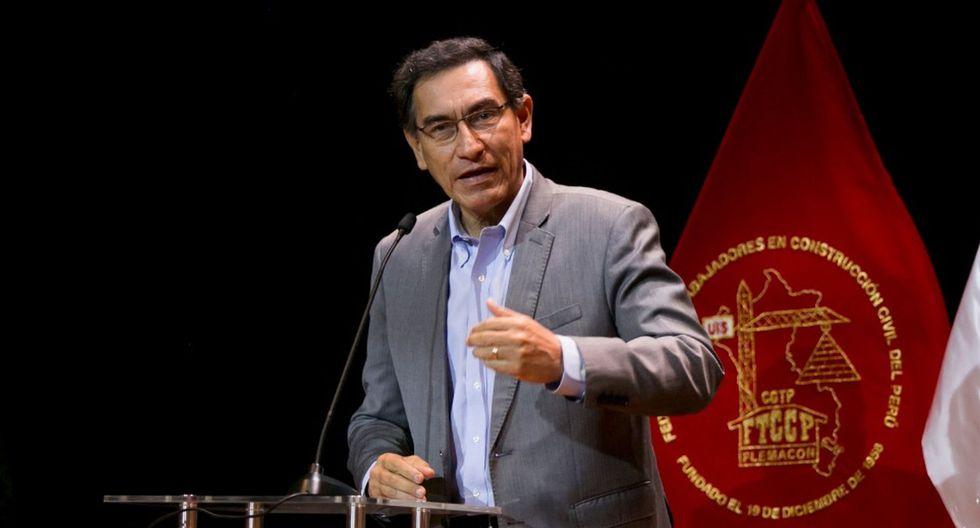 """""""Si es que alguien pretende una vacancia por buscar el diálogo [...] se va a quedar a medio camino"""", dijo Martín Vizcarra este martes. (Foto: Presidencia)"""