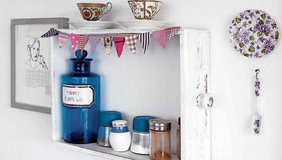 Dale color a las cajas forrando el interior con papel decorativo o con una pintura de color llamativo (amarillo, azul, naranja). (Foto: Marigho)