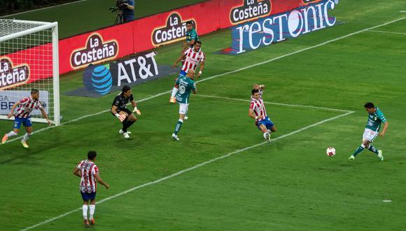 Ángel Mena falló dos veces en el Chivas vs León e impidió el triunfo de los verdes | Foto: Twitter