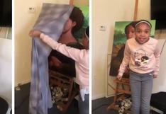 Padre sorprende a su hija pintando un retrato de ella como si fuera la Mona Lisa