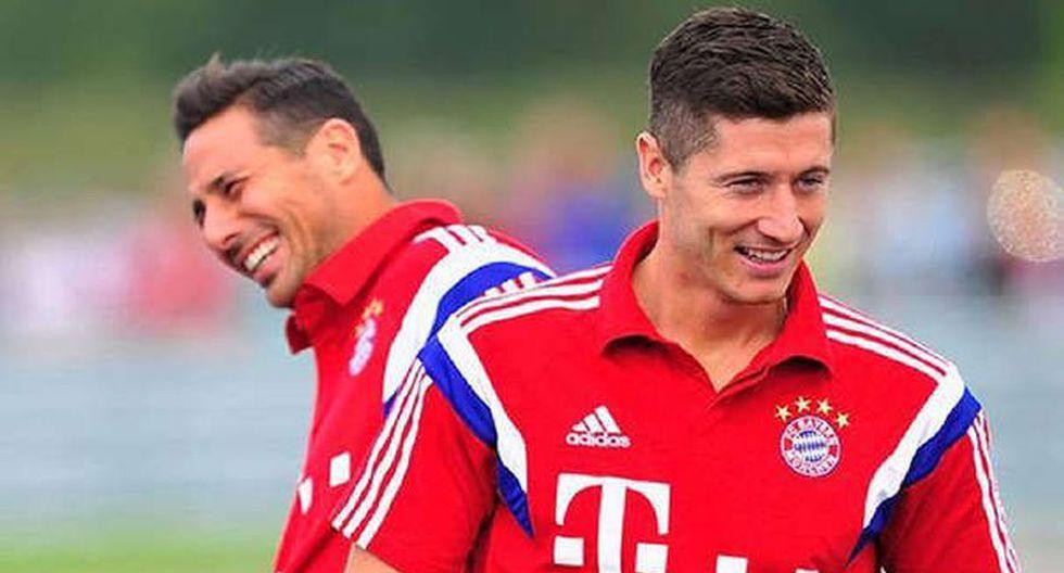 Claudio Pizarro comparte con Robert Lewandowski el récord de mayor goleador extranjero en la Bundesliga. El polaco anotó un doblete en el Bayern Múnich vs. Borussia Mönchengladbach (Foto: AFP)