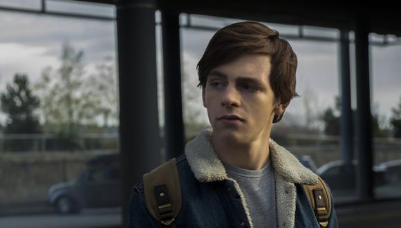 Ross Lynch interpreta a Harvey Kinkle, el encantador y soñador novio de Sabrina que es hijo de un minero de carbón (Foto: Netflix)