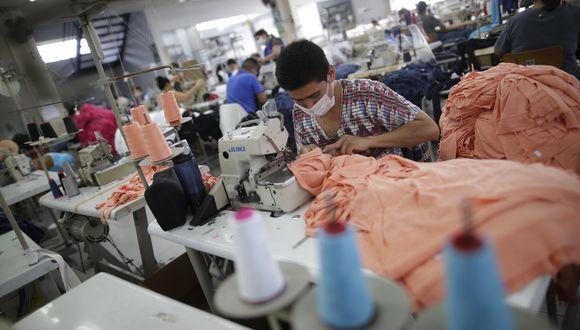 Las exportaciones textil-confecciones cayeron 42.9% en enero-mayo de este año. (Foto: GEC)