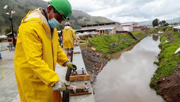 El avance del consumo interno de cemento en noviembre se dio por la reanudación de proyectos públicos y privados, indicó el INEI. (Foto: GEC)