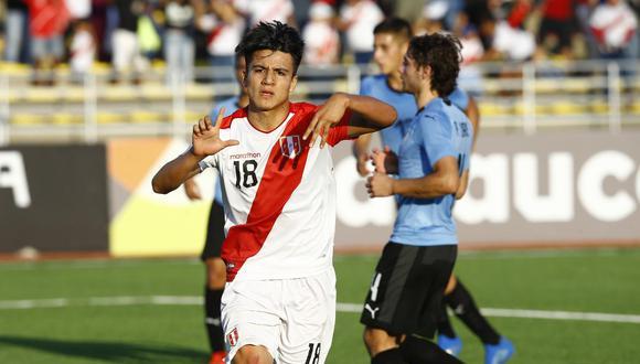 Perú vs. Uruguay: Óscar Pinto y el 2-1 que ilusiona a los locales con la clasificación al Mundial | Foto: Francisco Neyra/GEC