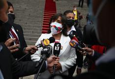 Ministra Dina Boluarte se comprometió a dialogar con el presidente para firmar declaraciones de Chapultepec y Salta