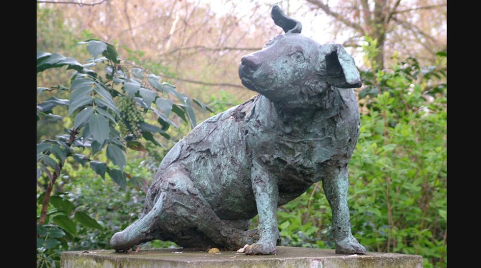 Estatuas en 4 patas: Estas esculturas están dedicadas a perros - 6