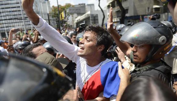 Gobernador chavista pide al gobierno liberar a Leopoldo López