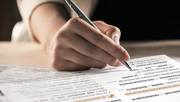 Ocho de cada diez contrataciones nuevas de los servicios de telecomunicaciones emplearon los contratos cortos. (Foto: Osiptel)