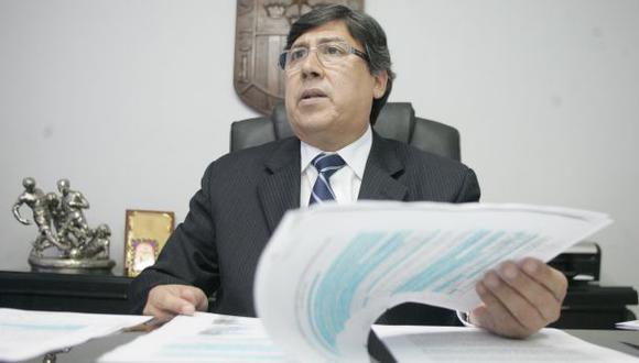 Fiscal incauta diamantes y esmeraldas a Guillermo Alarcón