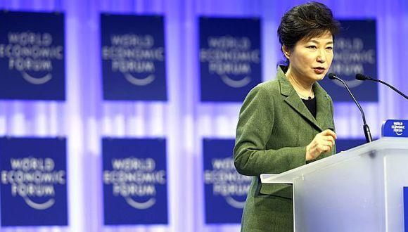El mundo debe actuar en conjunto para enfrentar los desafíos del cambio climático, dijo presidenta surcoreana Park Geun-hye durante el Foro de Davos. (Foto: Reuters)