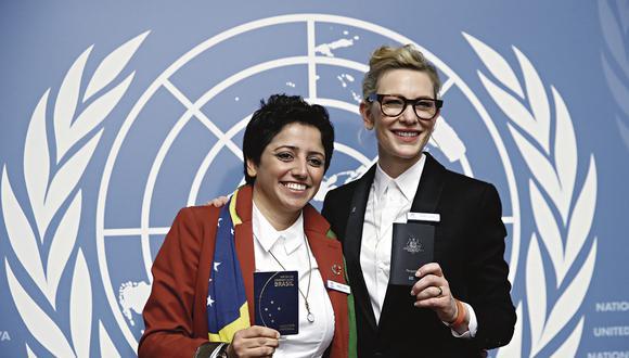 Maha Mamo vivió 30 años sin patria. En 2018 Brasil le concedió la nacionalidad. Maha está en la foto con Cate Blanchett en un evento de la ONU que busca generar conciencia sobre la apatridia.