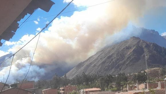 La PNP investiga las causas del siniestro en Urubamba. Primeras diligencias indican que la quema de rastrojos habría originado el fuego. (Foto: Bomberos Urubamba)