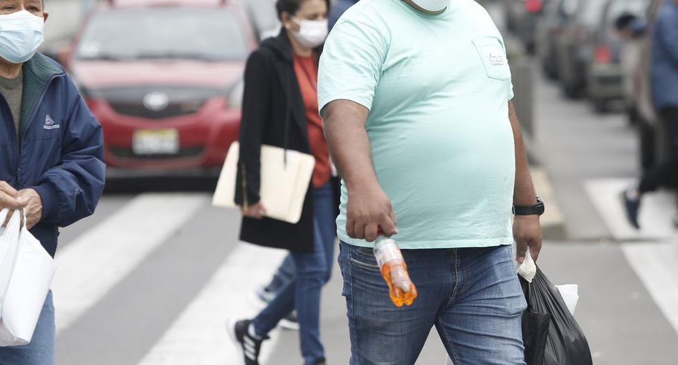 El Gobierno ha priorizado la vacunación de los obesos tipo 3. Sin embargo, especialista señala que este grupo de personas es el más reducido en el país, pues hay más obesos tipo 1 y 2, que son los que están ingresando a los hospitales por coronavirus. (Foto: Jorge Cerdán / GEC)