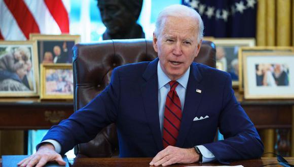El presidente de Estados Unidos, Joe Biden, habla antes de firmar órdenes ejecutivas sobre atención médica, en la Oficina Oval de la Casa Blanca en Washington, DC. (Foto: AFP / MANDEL NGAN).