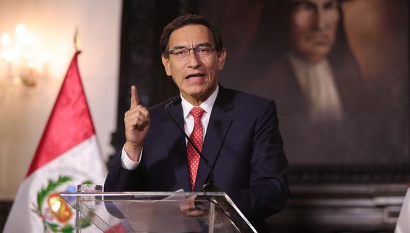 El presidente Martín Vizcarra se pronuncia en un mensaje a la nación desde Palacio de Gobierno sobre las grabaciones presentadas por el congresista Edgar Alarcón, el pasado jueves 10 de setiembre. (Foto: Presidencia).