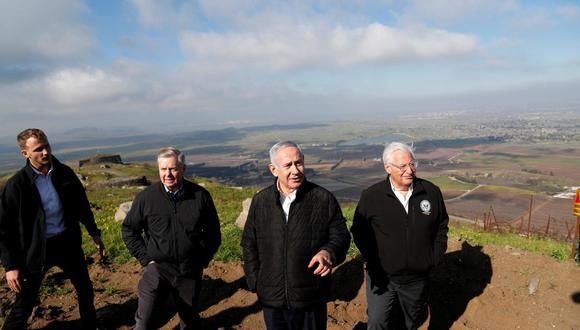 El primer ministro de Israel, Benjamin Netanyahu, el senador de Estados Unidos Lindsey Graham y el embajador americano en Israel, David Friedman, visitaron la frontera entre Israel y Siria el pasado 11 de marzo. (Foto: Reuters)