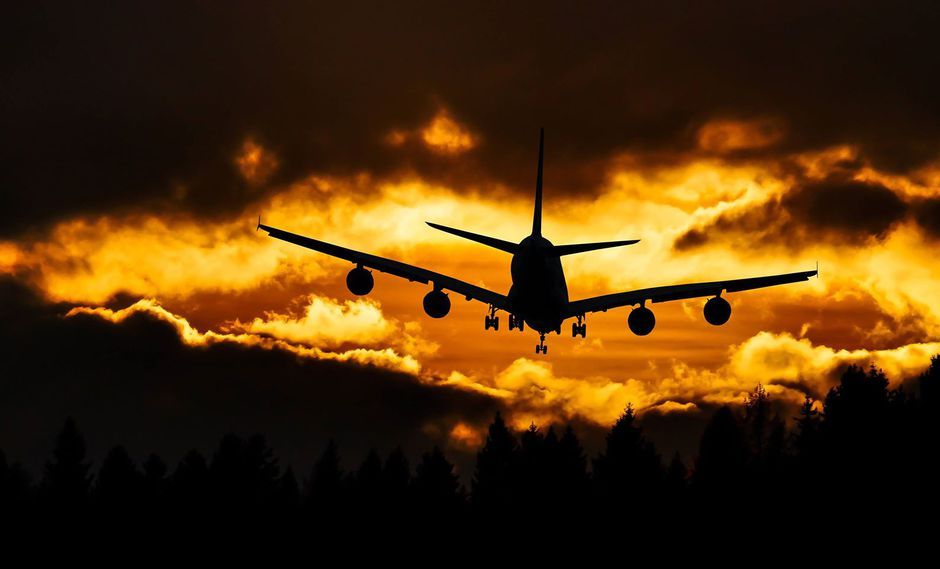 Incongruencias y cobros abusivos. Los pasajeros experimentan servicios denominados 'low cost' en pasajes adquiridos en altos precios.