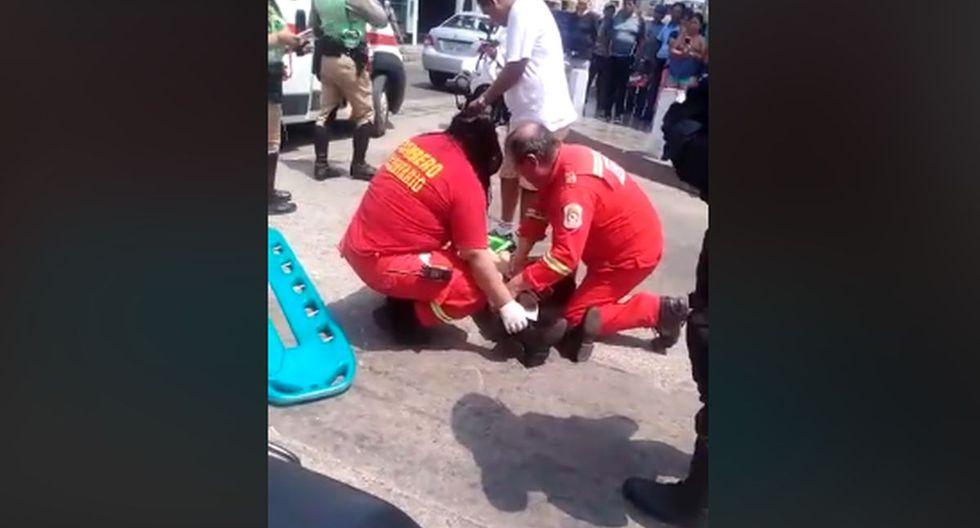 Las policías heridas fueron trasladadas a una clínica. (Foto: Captura/Facebook)