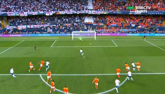 Holanda vs. Inglaterra: Marcus Rashford marcó el 1-0 tras penal cometido por De Ligt. (Foto: captura)