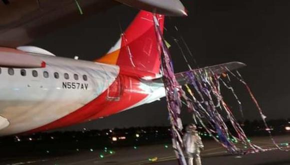 Un globo aerostático se enredó en un avión de Avianca en Colombia. (Foto: @Conradoaviacion., vía Twitter).