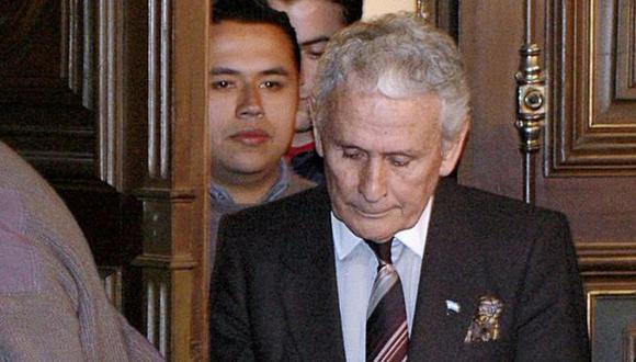 Miguel Etchecolatz fue condenado a cadena perpetua en 2006. Hoy fue condenado por octava vez por crímenes de lesa humanidad. (Foto: AFP)