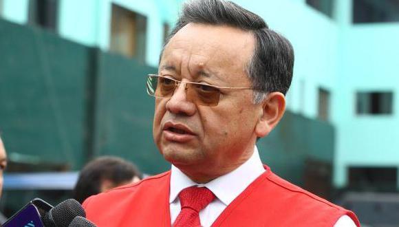 Congreso oficializa designación de Edgar Alarcón como contralor