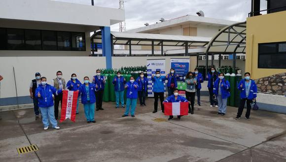 El equipo está integrado por médicos generales, enfermeros y tecnólogas médicas que viajaron desde Lima hasta Huamanga para ayudar en la atención, tratamiento y recuperación de las personas afectadas por el COVID-19. Foto: Essalud