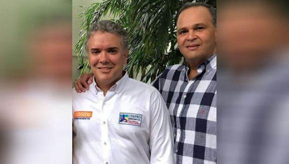 """Iván Duque antes de ser presidente de Colombia junto al ganadero José Guillermo Hernández, conocido como """"Ñeñe""""."""