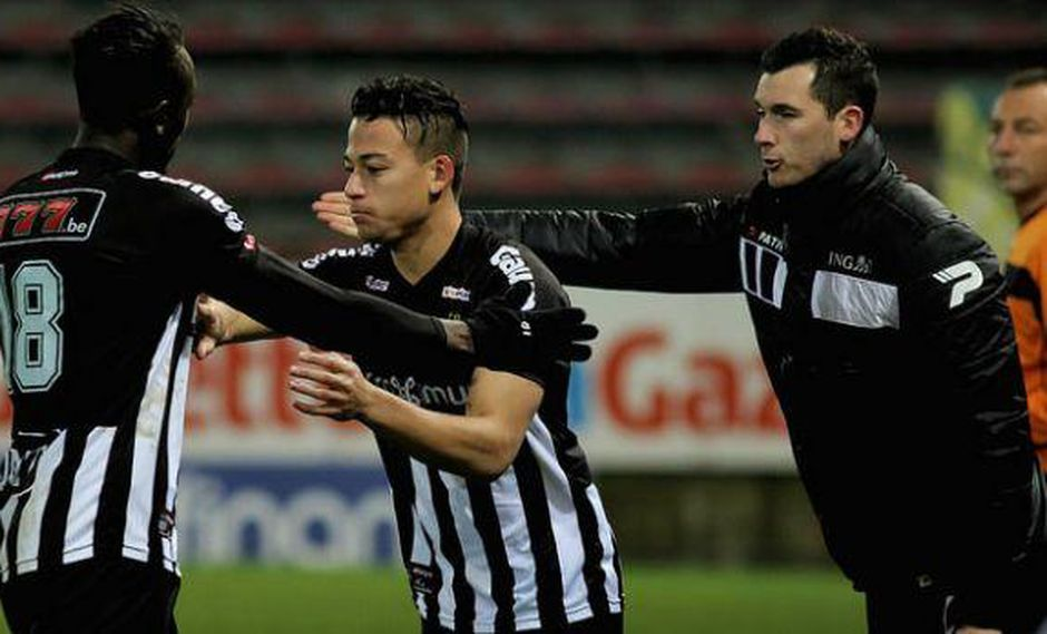 Con Benavente: Charleroi perdió 3-0 contra Standard de Lieja