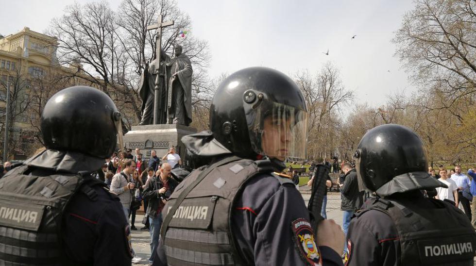 Detienen a más de 100 personas que pedían la renuncia de Putin - 4