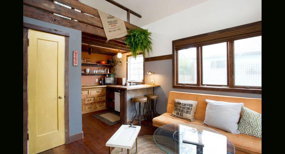 Con una decoración rústica, pero a la vez moderna, la casa cuenta con una sala, una cocina y un dormitorio. Pasar la noche aquí tiene un costo de US$ 131 a través de la página Airbnb. (Foto: Airbnb)