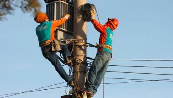 Enel programó para esta semana corte de luz en varios distritos de Lima. (Foto: Heiner Aparicio)