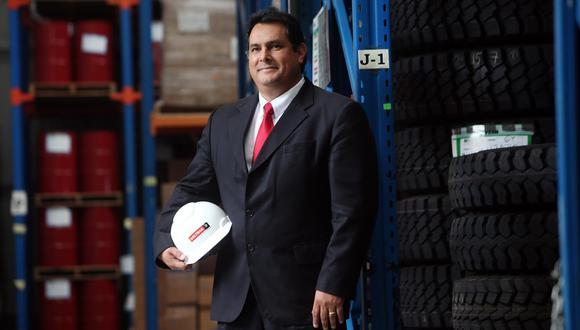 La decisión de participar en la producción de petróleo se inserta dentro de la política sectorial de fortalecer a Petro-Perú y lograr su integración vertical, señala Carlos Barrientos. (Foto: Rolly Reyna)
