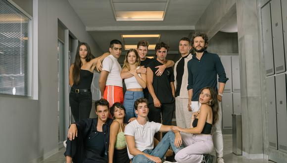 """El elenco de la cuarta temporada de """"Élite"""", una de las series más populares de Netflix. Los creadores de esta serie ya preparan su próxima, y distinta serie, para el servicio. Foto: Netflix."""