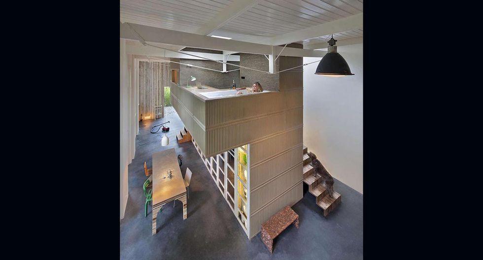 El garaje fue construido en 1895 y abandonado en el 2008. La idea de la pareja fue convertir este espacio en su casa y estudio de trabajo. (Foto: olf.fr)