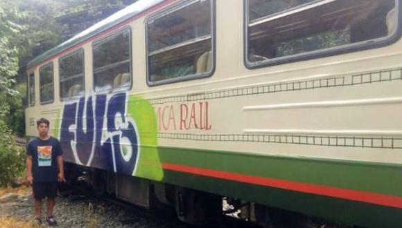 Cusco: detienen a turista por hacer pintas en tren