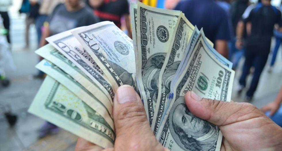 Los dólares falsos abundan en el mercado. (Foto: Andina)