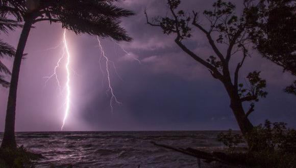 El relámpago desde Ologá, una población al Sur del Lago desde donde se ve cada noche el fenómeno. (ARIANNA ARTEAGA QUINTERO).