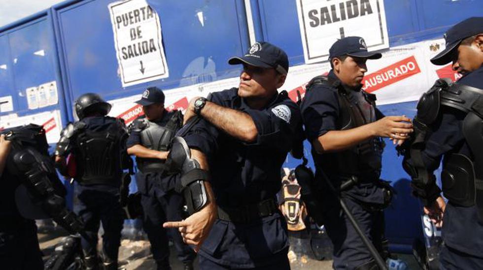 Villarán distinguió a trabajadores por desalojo de La Parada - 1