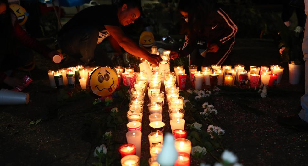 They will give USD 2,000 to relatives of victims of accident in Mexico's metro