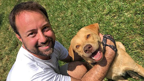 Es la primera vez que Ricardo Valdez adopta un perro y hasta ahora la experiencia está siendo muy positiva. (Foto: Andrea Carrión)
