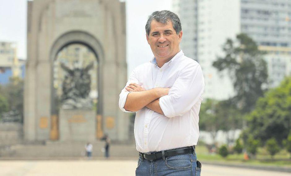 Desde los primeros días de su gestión, Jorge Quintana se ha propuesto recuperar las áreas verdes de su distrito. (Manuel Melgar)