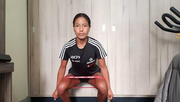 El sueño de Inés Melchor de llegar a Tokio se interrumpió por el coronavirus. Muchas maratones que sumaban puntos para clasificar se suspendieron. Hasta que se reanuden, ella sigue entrenando en casa.