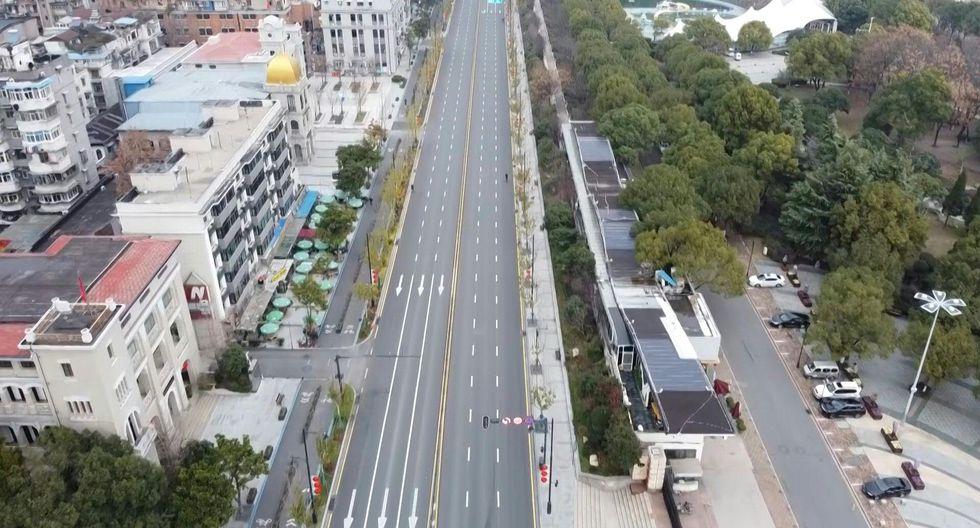 Wuhan, capital de la provincia de Hubei, asistió en 1957 a la apertura del primer puente construido sobre el Yangtsé. (Foto: AFP)