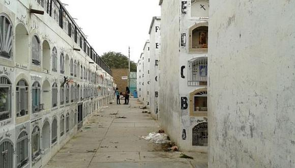 Cerrarán antiguo cementerio de Sullana por representar peligro
